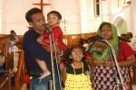 family-singing-1